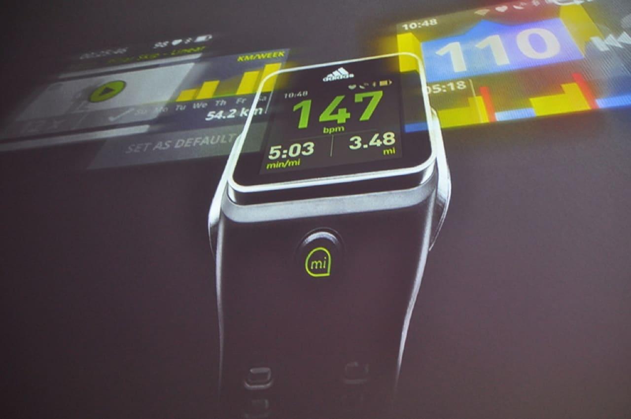MiCoach Smart Run  es el nombre del primer reloj inteligente de Adidas.