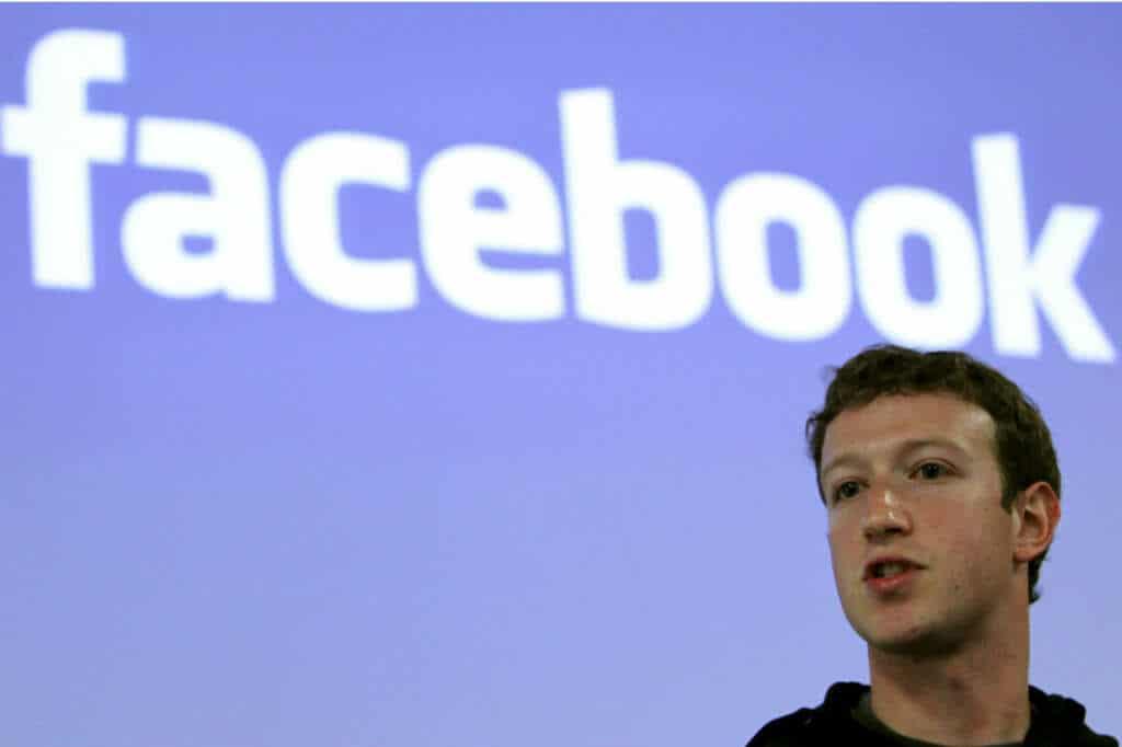 El aumento en la publicidad en Facebook ha generado importantes utilidades en la red social.