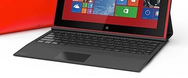 Lumia 2520: Nokia Power Keyboard es un accesorio aparte que brindará 5 horas de batería extra.