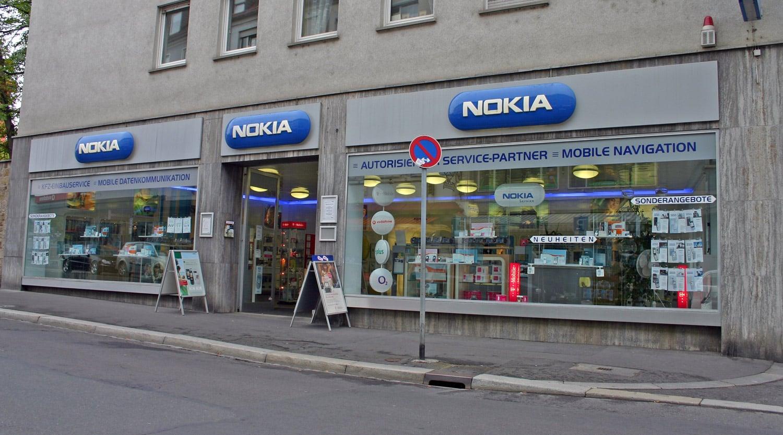 Nokia vendió a Microsoft, sus equipos, servicios y patentes en US$7.200.