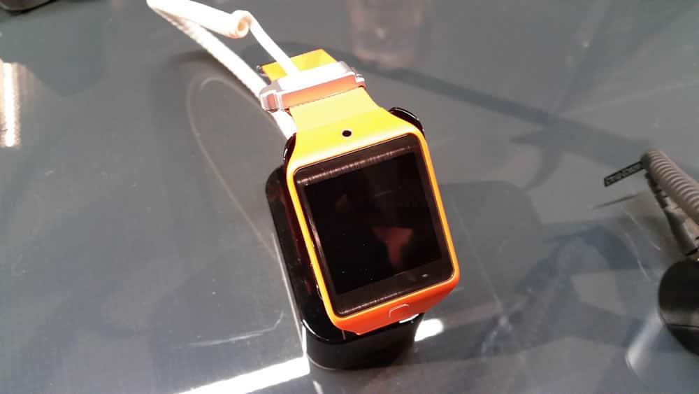 Video 4K - Fotografía sin zoom registrada con el teléfono (luz artificial).