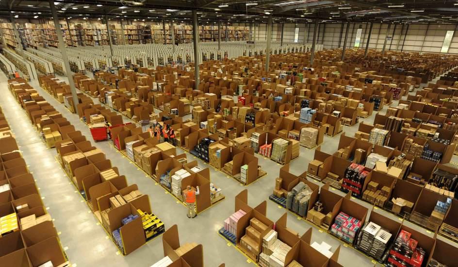 Así luce un almacén de Amazon.