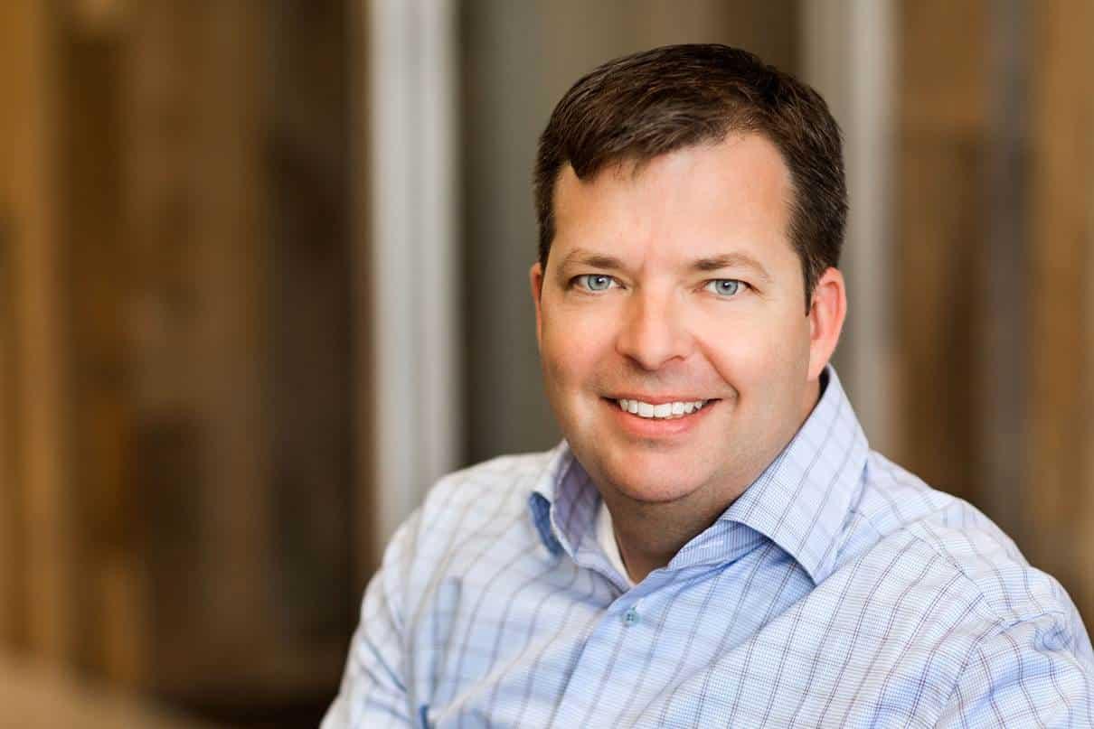 Chris Beard continuará como CEO de Mozilla, luego de que en abril fuera nombrado en el cargo de forma interina.