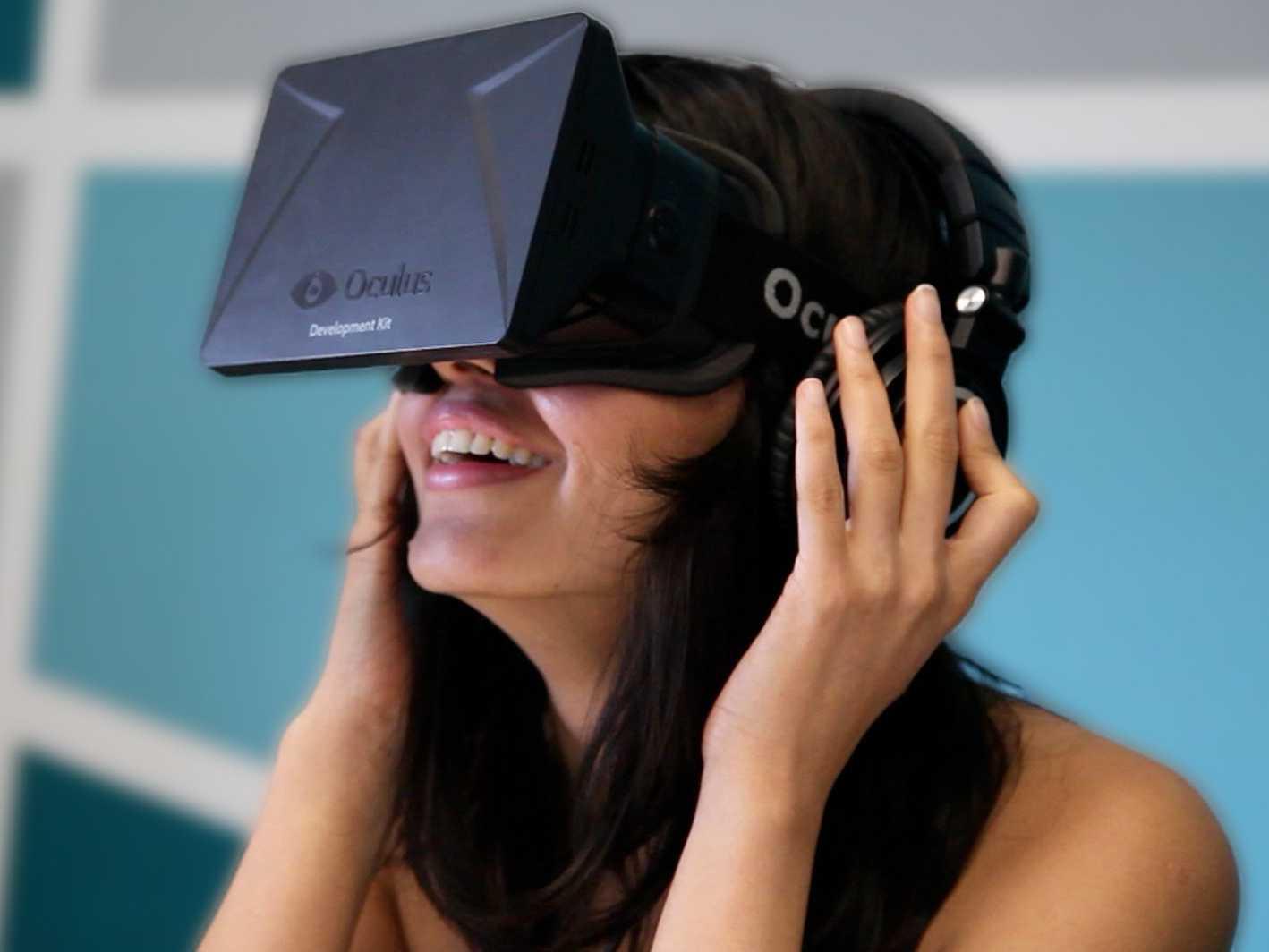 Nathan Mitchell afirmó que están buscando los caminos para reducir el precio final de los Oculus Rift.