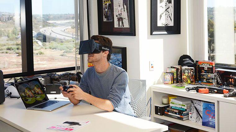 Microsoft explicó que es muy pronto para hablar de detalles, pero ya trabajan en un dispositivo de realidad virtual.
