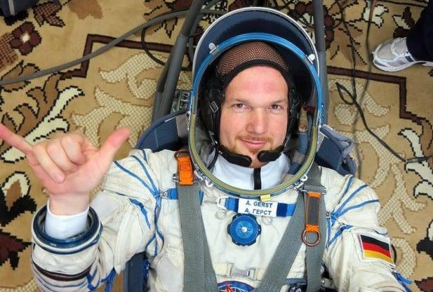 El astronauta alemán, Alexander Gerst, fue quien registró el video del amanecer y más.