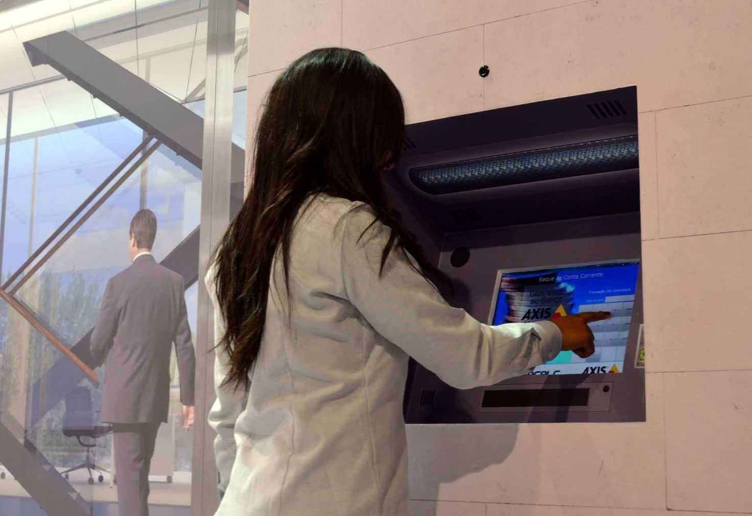 Cajero automático con reconocimiento facial presentado por Axis.