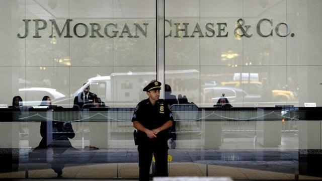 El FBI sigue una investigación a 5 entidades bancarias atacadas, incluyendo al JPMorgan Chase & Co.