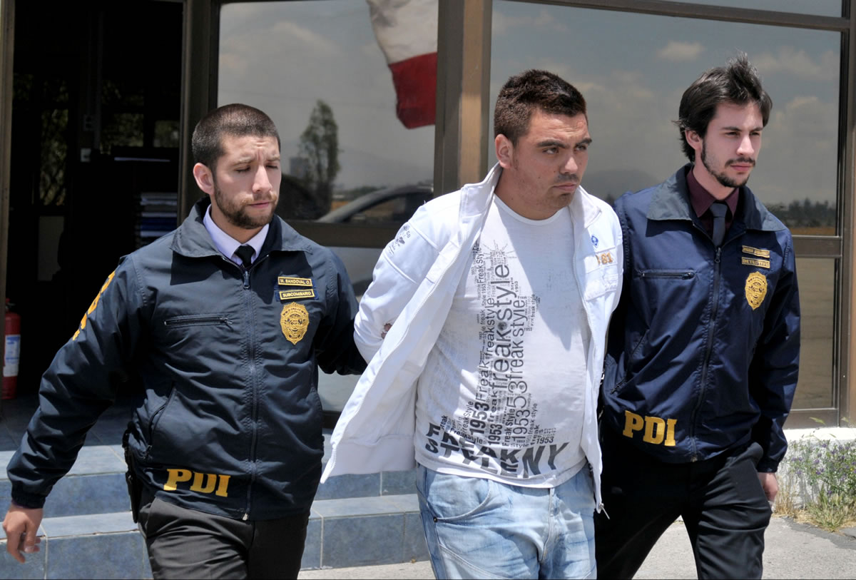 El sujeto fue detenido por la PDI luego que amenazó a dos menores en distintas plataformas sociales.