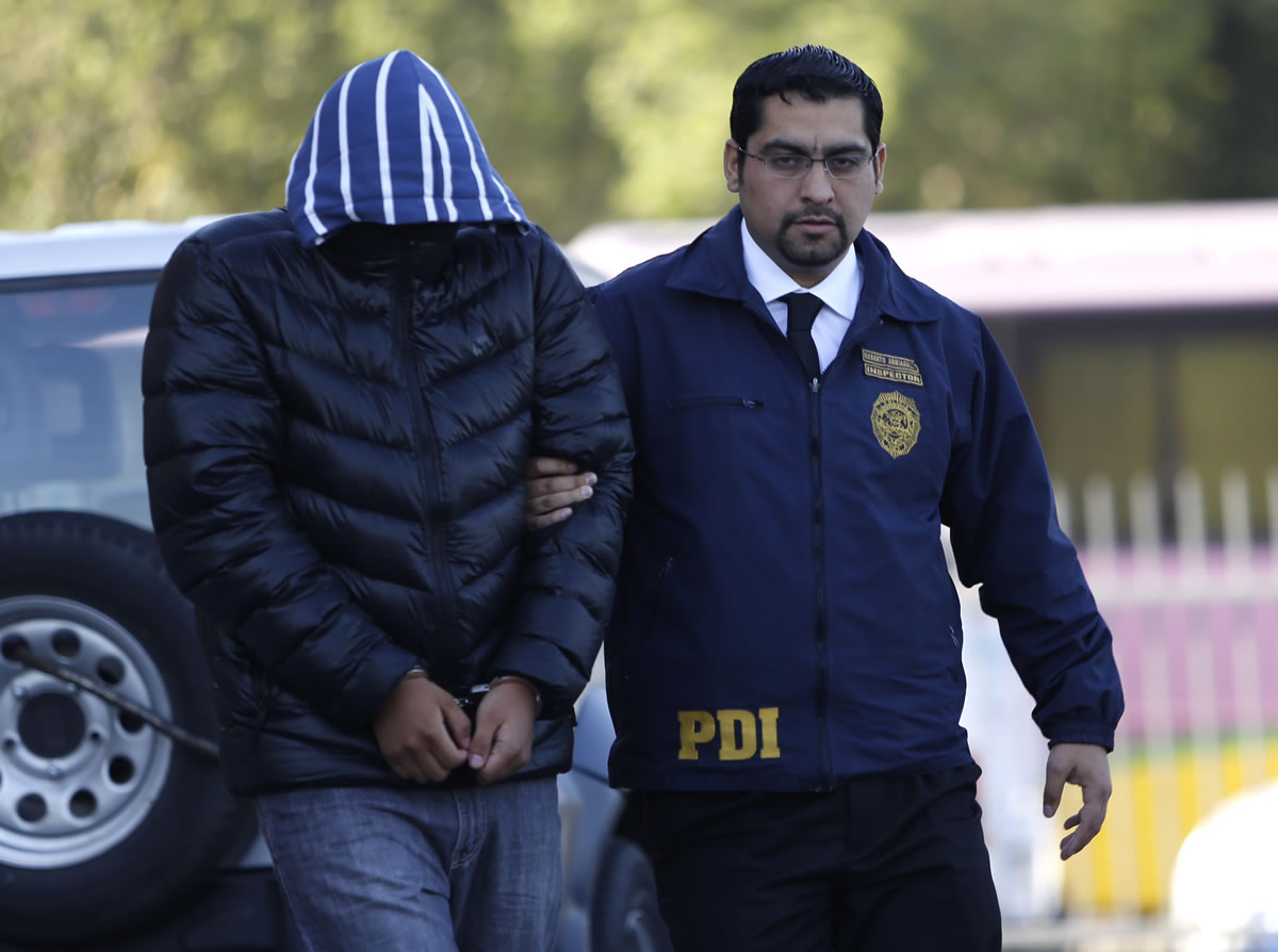 M.A.T.C. de 21 años es detenido por realizar grooming a 3 menores en Chile.