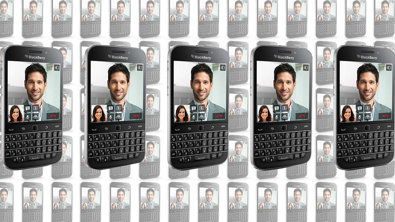 Blackberry Classic significa el regreso de la empresa canadiense a los teclados QWERTY, una característica única de estos equipos.
