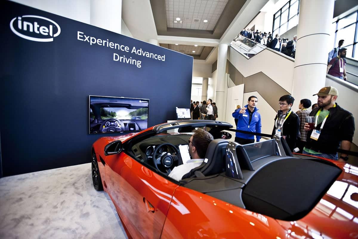 Jaguar prototipo con la tecnología de Intel.