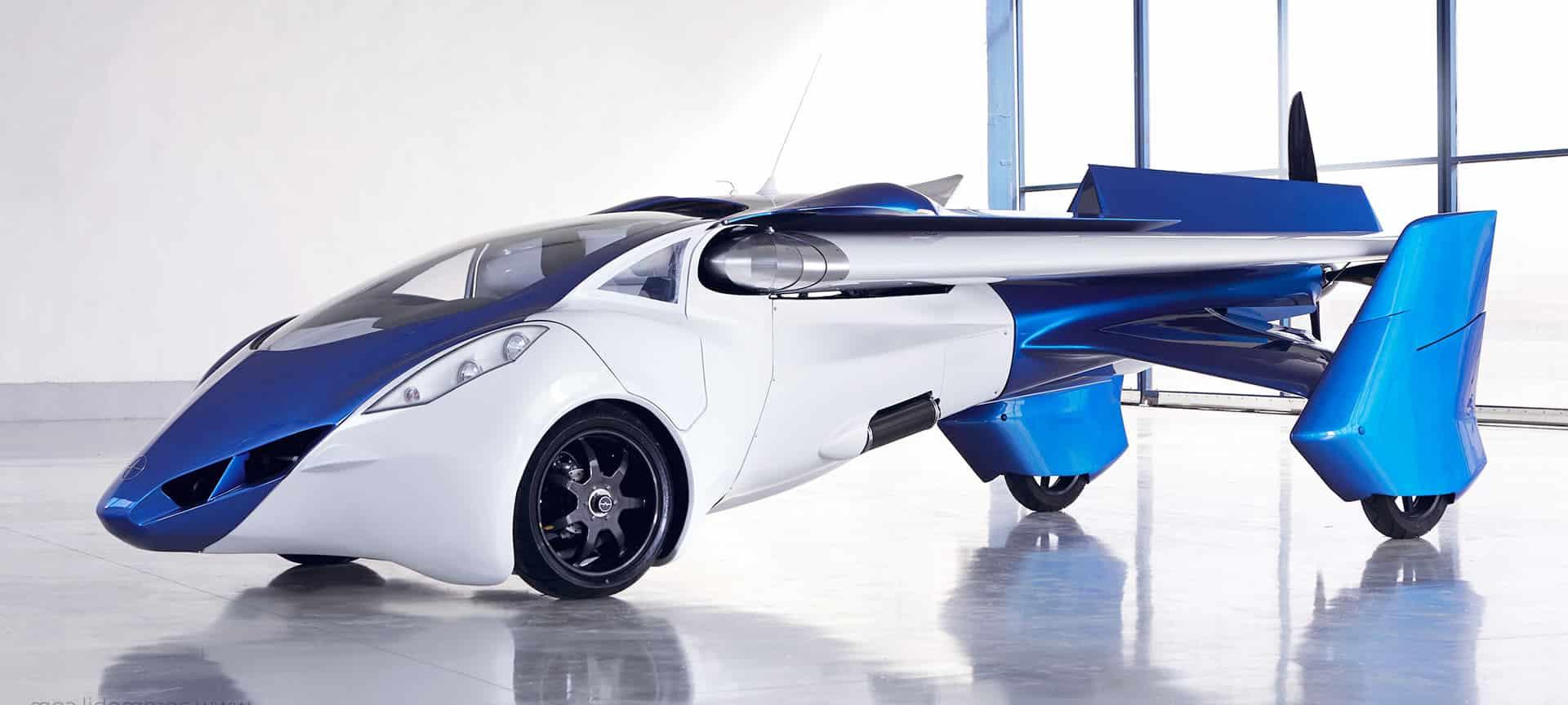 Así luce el vehículo volador Aeromobil 3.0 que te mostramos en este capítulo.