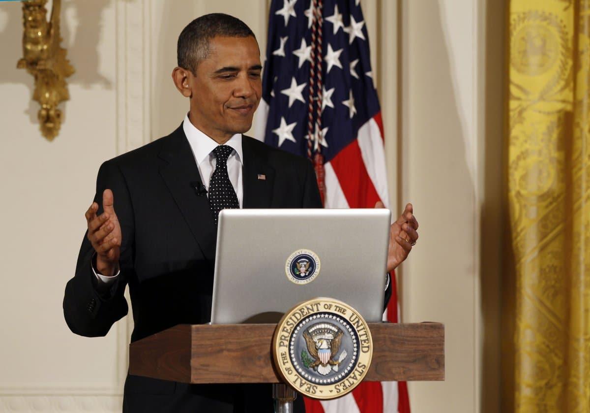 Hackers ruso habrían conseguido entrar a un computador de Barack Obama y leer algunos mails.