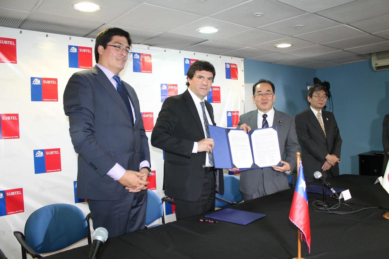 En el acuerdo entre Japón y Chile estuvo presente Andrés Gómez-Lobo, Pedro Huichalaf y Kosaburo Nishime.