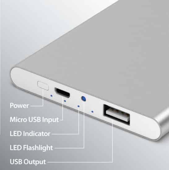 En la parte posterior de las ECO-u540, están los conector y el encendido de la linterna.