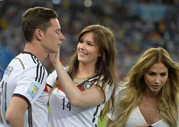 Situación similar con Tinder, como ahora en la Copa América, pasó en Brasil.