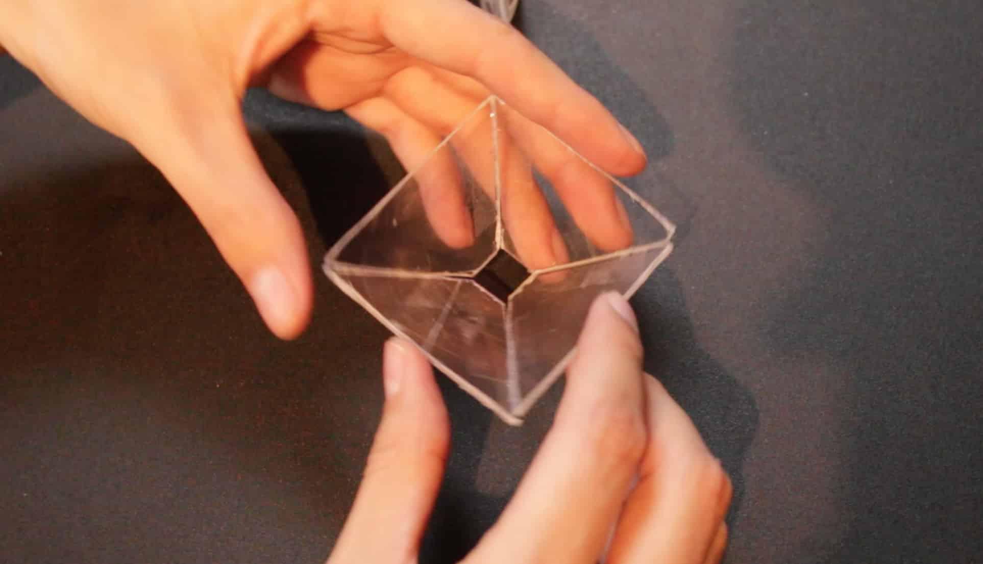 Con simples materiales puedes construir el artefacto para ver hologramas en tu teléfono.