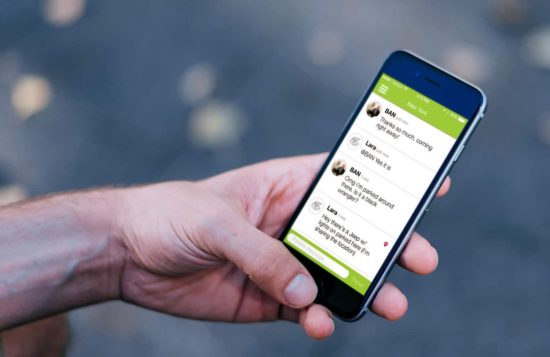 La principal actividad de los jóvenes en un smartphone es chatear.