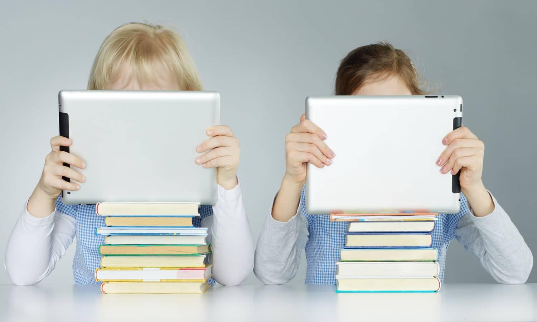 Una tablet logra motivar a los alumnos en las salas de clases.
