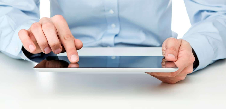 Para los jóvenes el intercambio de datos en Internet es algo cotidiano.