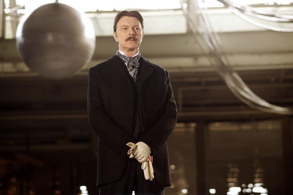 David Bowie como Nikola Tesla.