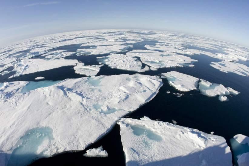 Placas de hielo del Océano Ártico.