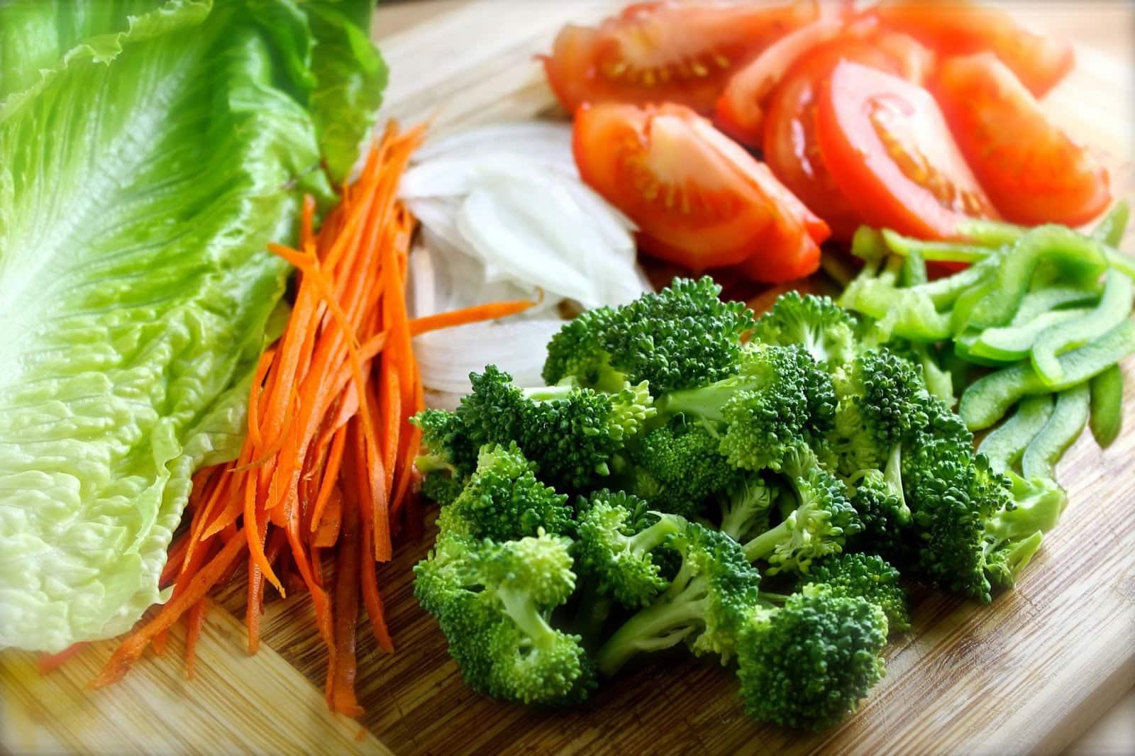 Peligro de los alimentos procesados: Brocoli ayuda a evitar tumores cancerígenos.