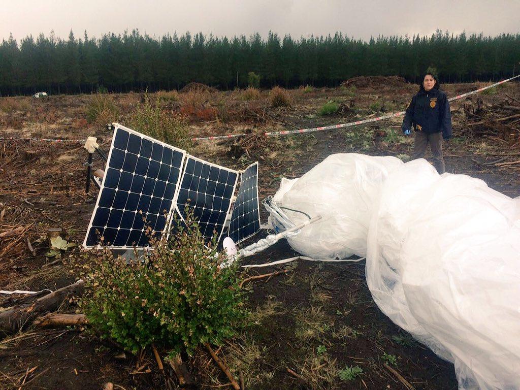Globo del Proyecto Loon caído en Chile (Foto de Jocelyn Cabrera).