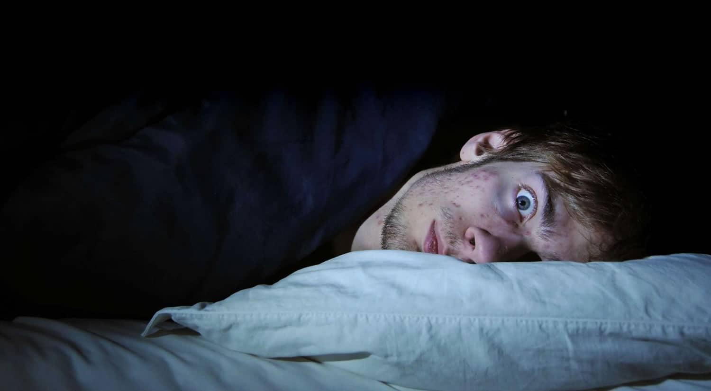 La constante exposición a la contaminación acústica puede provocar alteración del sueño.