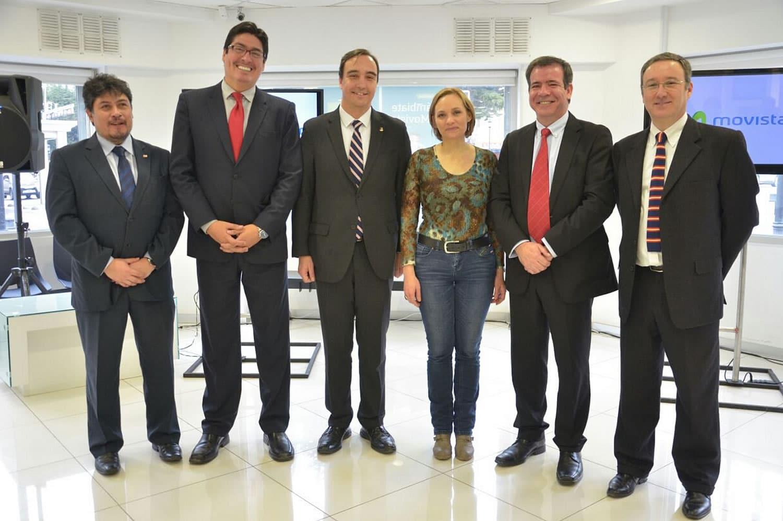 Autoridades y ejecutivos en la inauguración del 4G 700 MHz para Magallanes.
