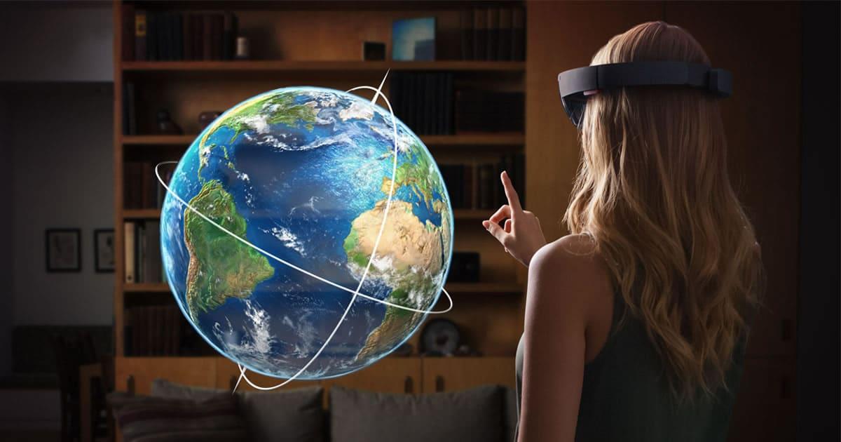 Hololens es un buen ejemplo de Inteligencia Artificial en Realidad Aumentada y Virtual.