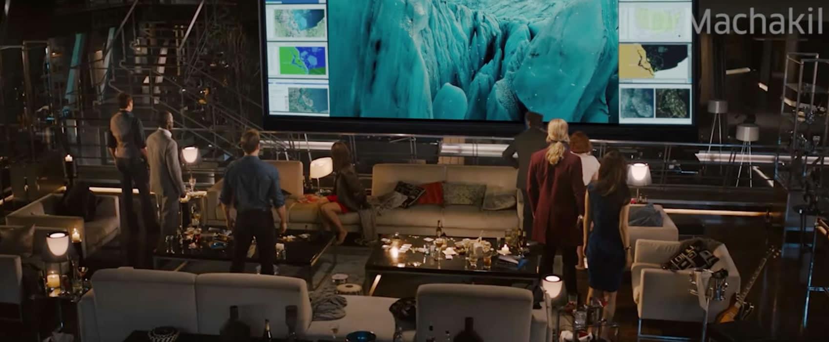 Los Vengadores observan el trailer de Justice League.