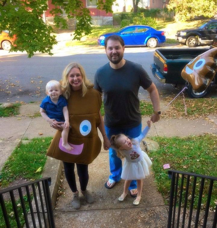 Toda la familia de Audrey apoyo la idea de la caca.