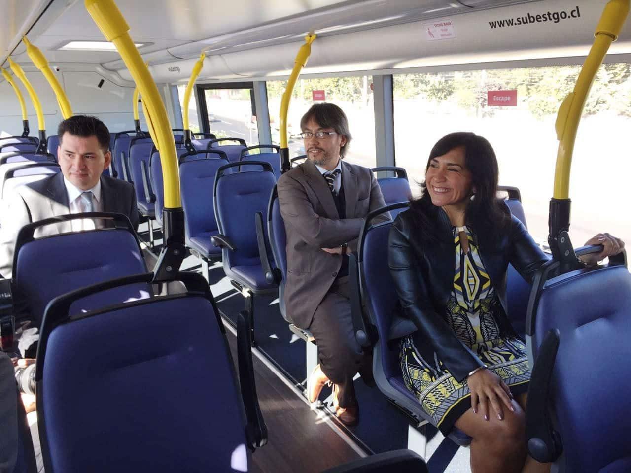 Autoridades hicieron evaluación del primer mes del bus de dos pisos.