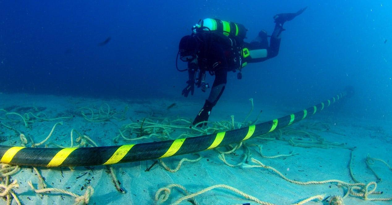Chile definió ruta para implementar cable transoceánico hasta Oceanía.