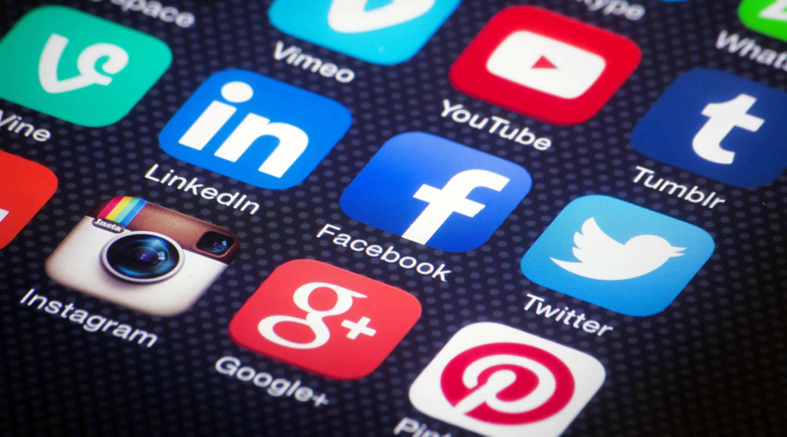 Redes sociales sigue siendo una de las mayores actividades por chilenos.