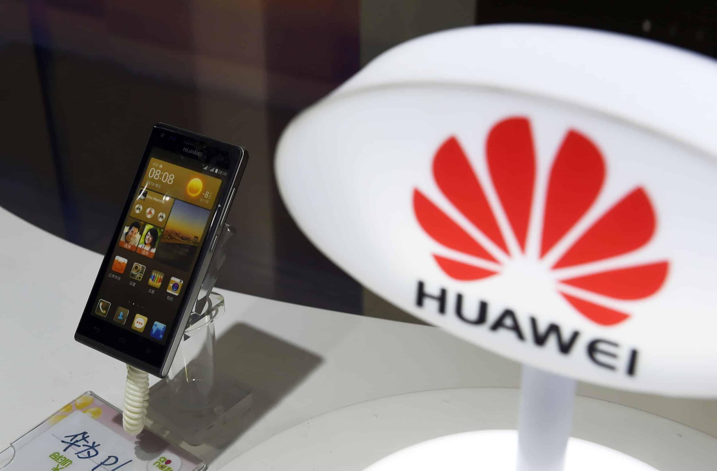 Celular Huawei.