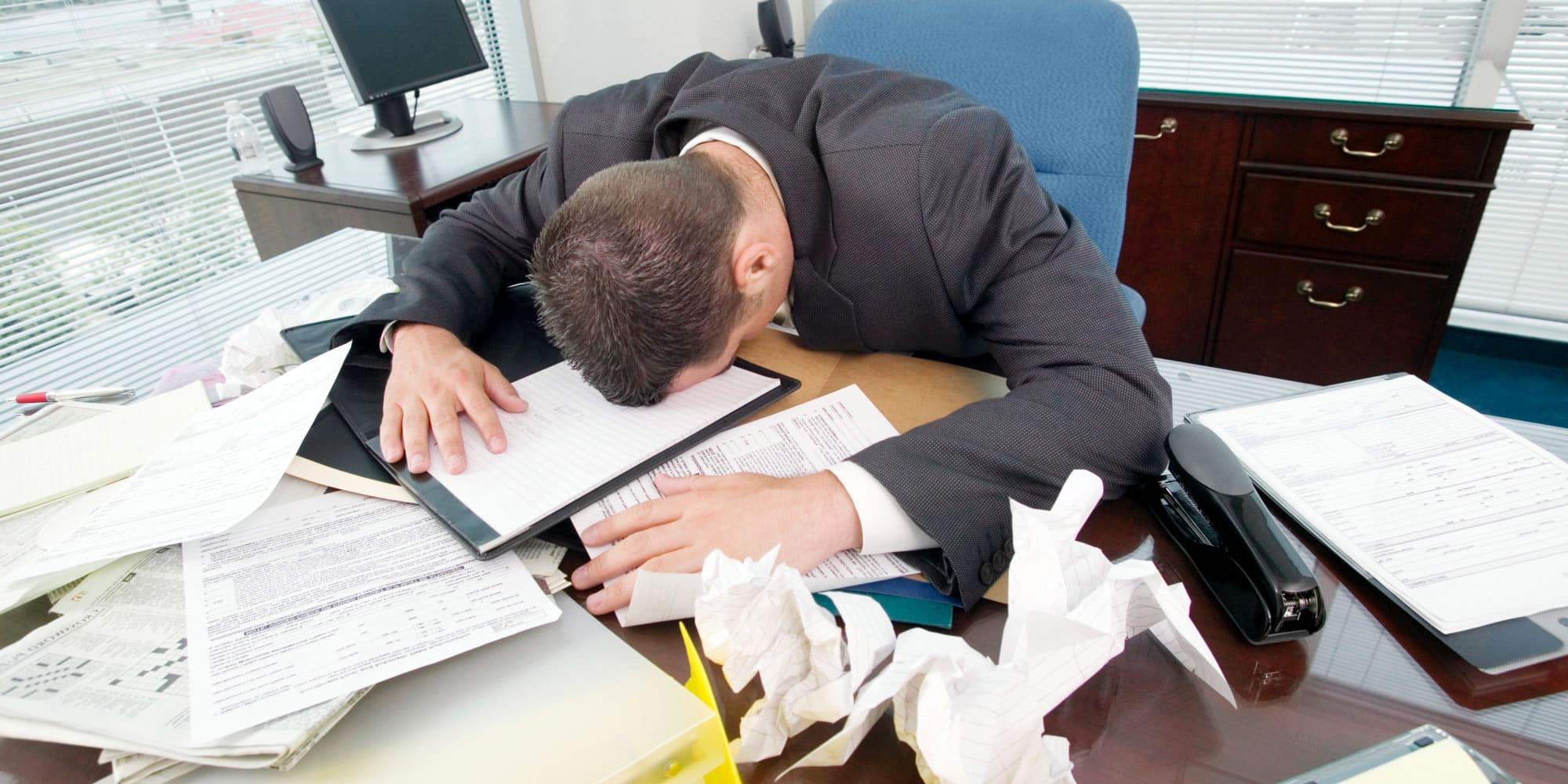 El estrés laboral lo podrías combatir con una pequeña sesión de juegos.