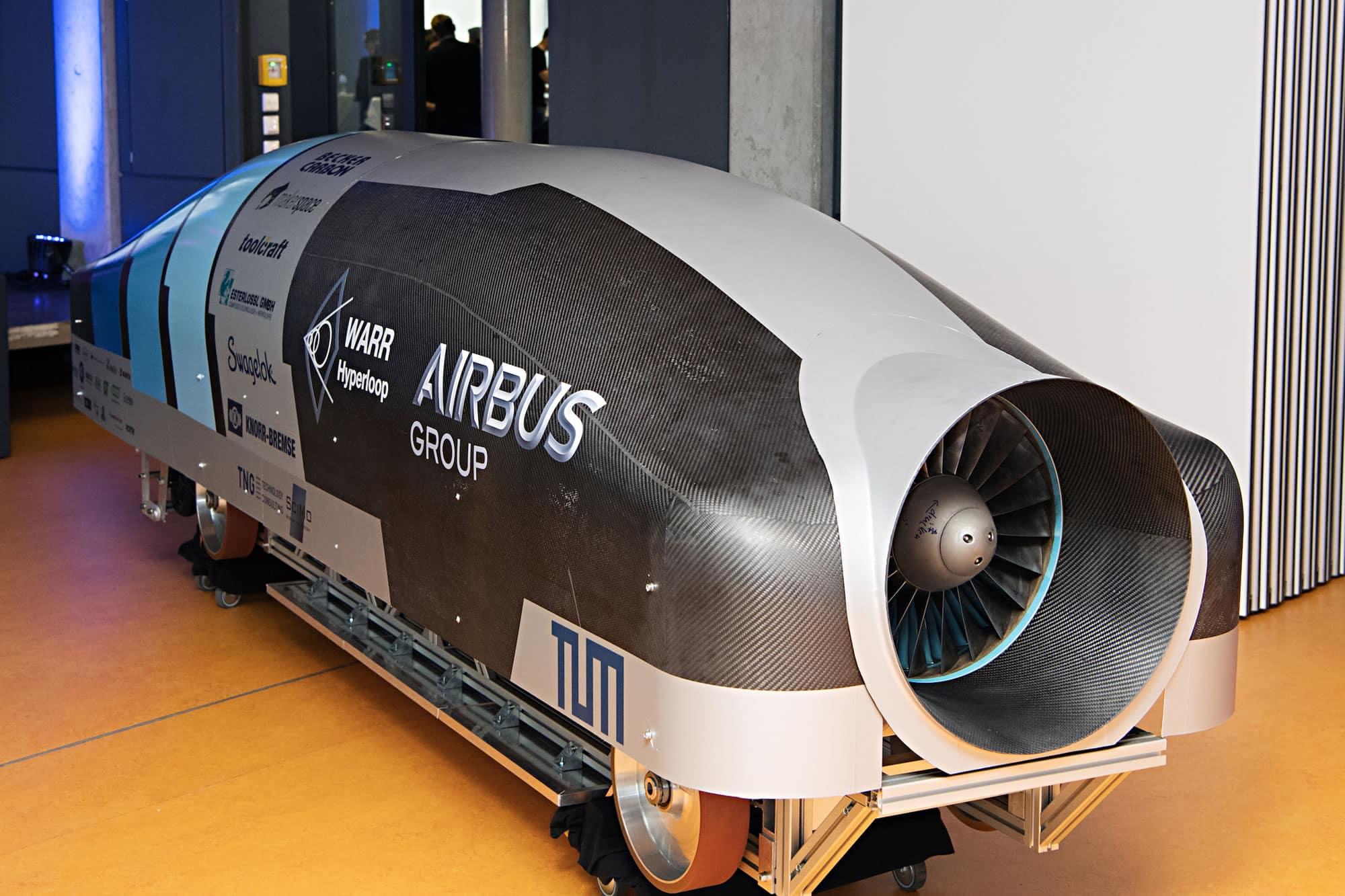 Así luce la cápsula Hyperloop del equipo WARR.