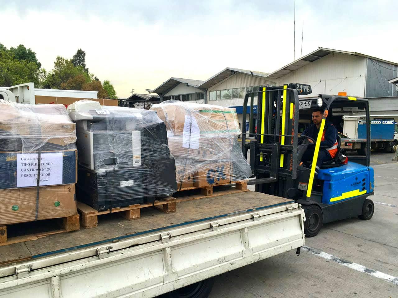 Primer traslado de e-waste desde Isla de Pascua.