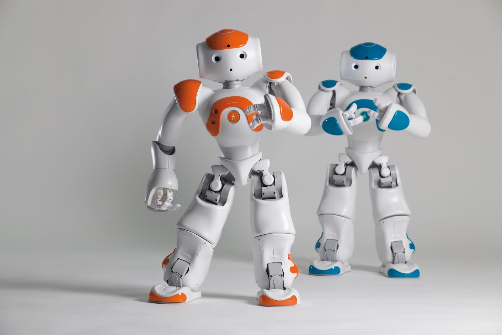 NAO es el robot utilizado para las terapias de niños con autismo.