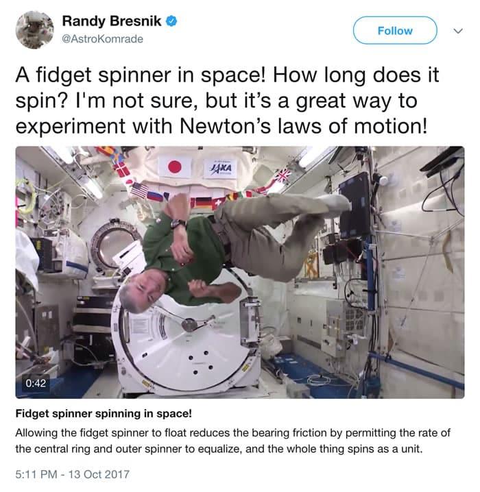 ¿Cómo gira un 'fidget spinner' en el espacio exterior?