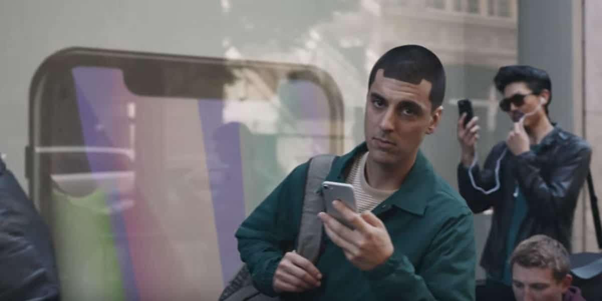 Samsung presentó nueva publicidad atacando sin asco al iPhone