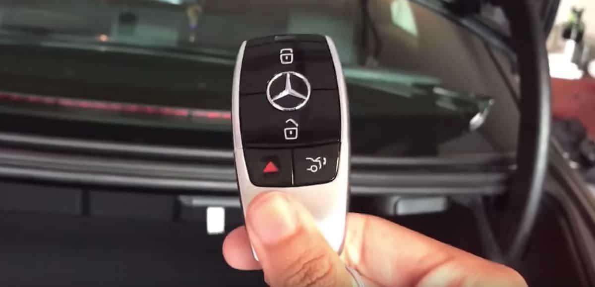 ¿Cómo un hacker puede robar un automóvil como un Mercedes con llave digital?