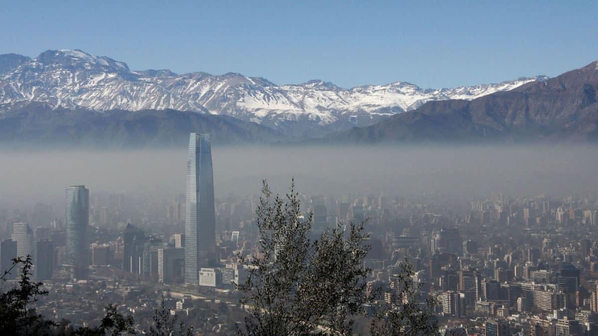 El 2 de mayo comienza la nueva restricción para vehículos catalíticos en Santiago