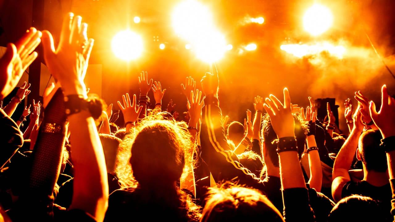 Ir y disfrutar de conciertos de música te permitiría vivir más años