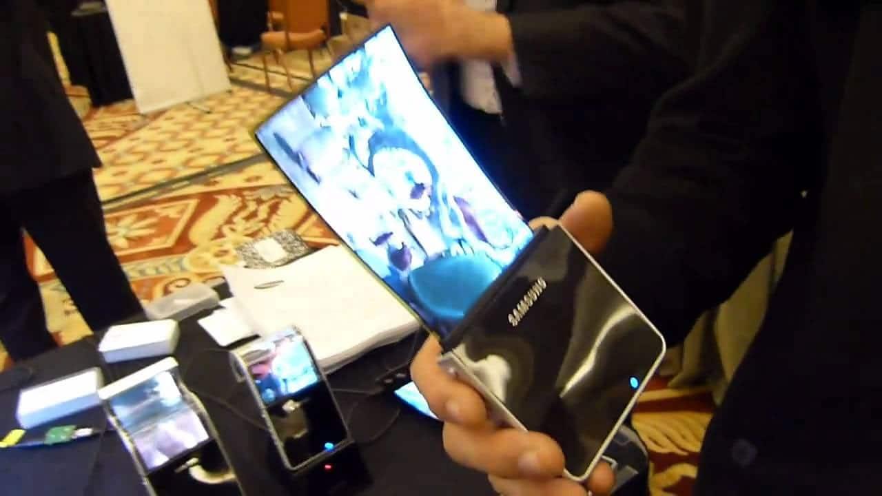 Galaxy X, el teléfono plegable de Samsung, podría presentarse en enero