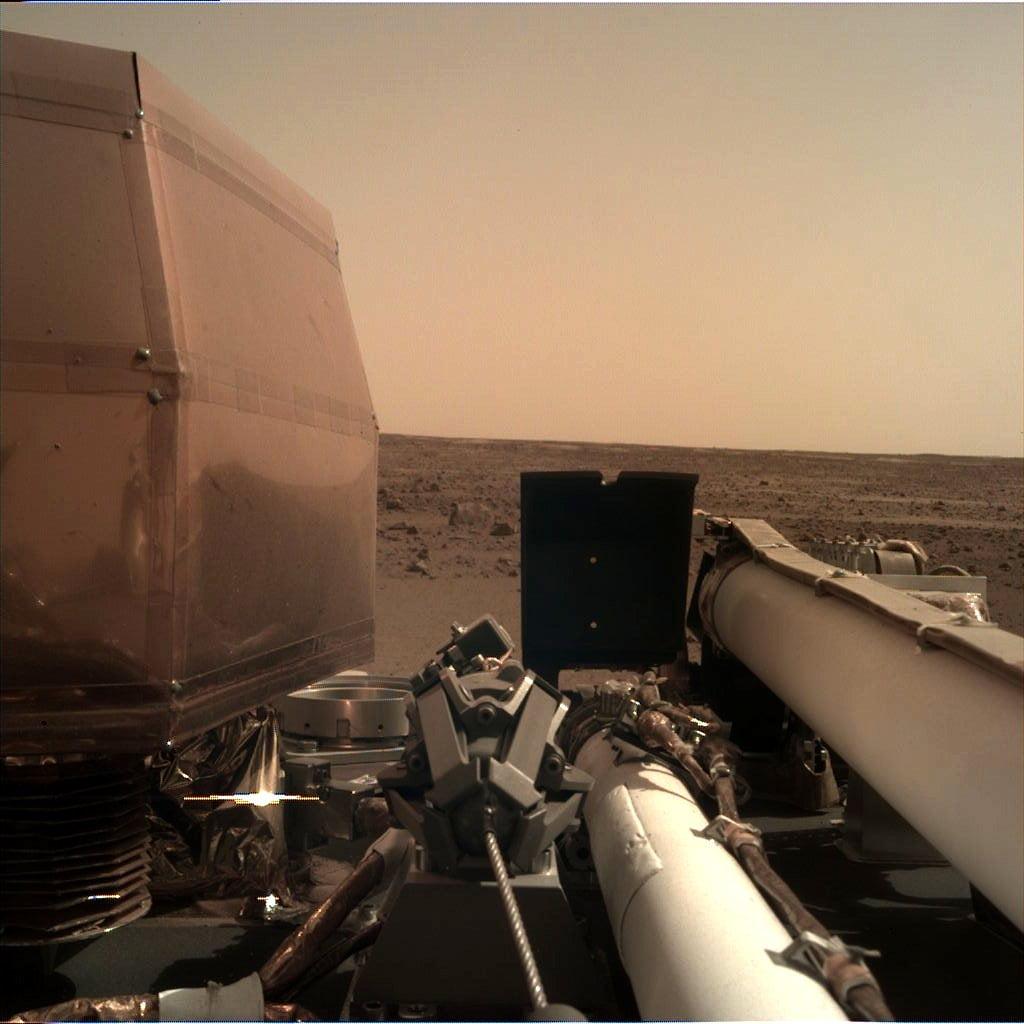 Estas son las primeras fotos que InSight envió desde Marte