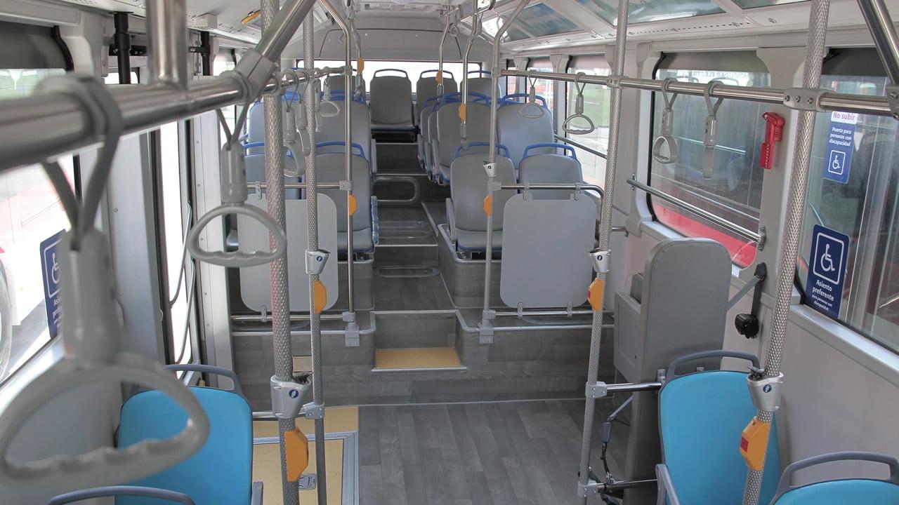 Interior de los buses eléctricos para el Transantiago.